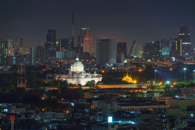 Ananta Samakhom biskopsstol Hall på natten Stads- stad, Bangkok, Thail fotografering för bildbyråer