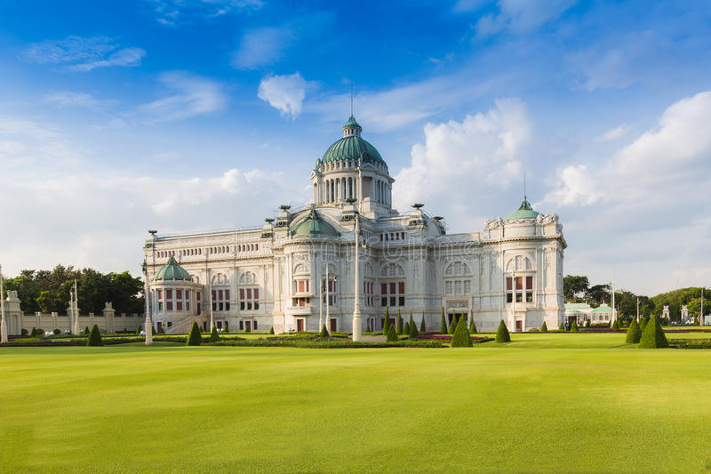 Ananta Samakhom Tronowy Hall w Królewskim Dusit pałac (Tajlandia bielu dom) zdjęcia royalty free
