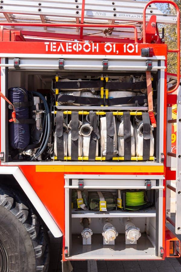 Anapa, Rusland - April 27, 2019: Anapa brand-technische tentoonstelling bij het Theatervierkant in Anapa, gewijd aan de 370ste ve stock afbeeldingen