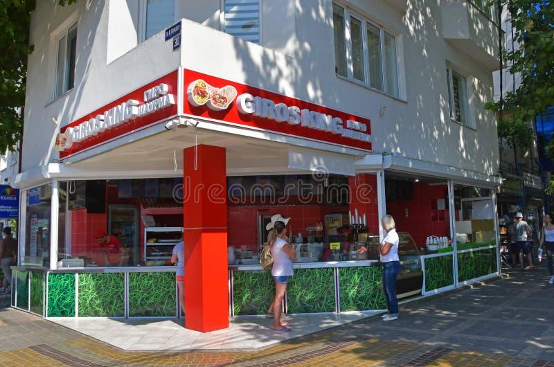 Anapa, Russland, Juli, 18, 2018 Autogirokönig Gyro, Shawarma-Schnellrestaurant der Leute-i in Anapa an der Kreuzung von Grebensk stockfotos