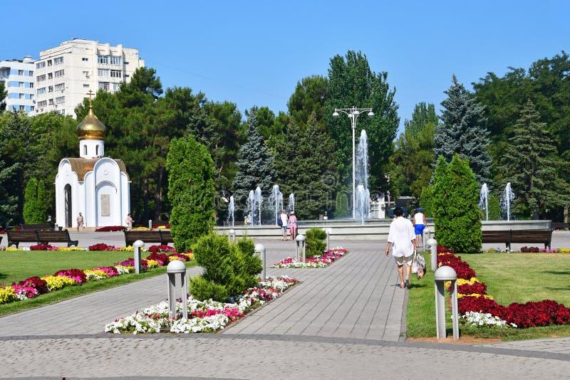 Anapa Ryssland, Juli, 14, 2018 Staden av Anapa, kapell av profeten Hosea i fyrkanten av sovjet i sommaren royaltyfri bild