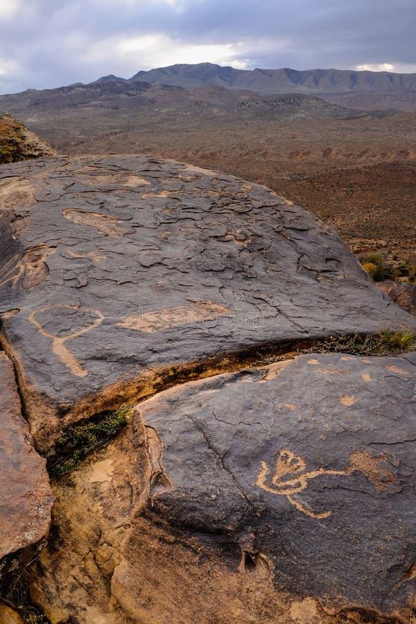 Anasazi petroglify z góry tłem obraz royalty free