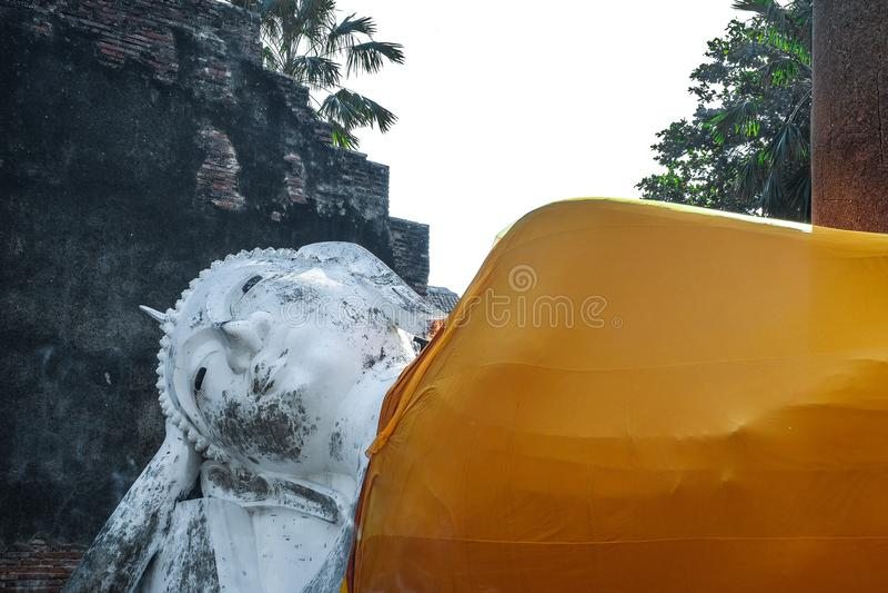 Anbetung von Thailand, Buddha-Statue, Geschichte von Thailand, Buddha-Statue Tempel von Ayutthaya-Provinz Ayutthaya historischer  stockbild