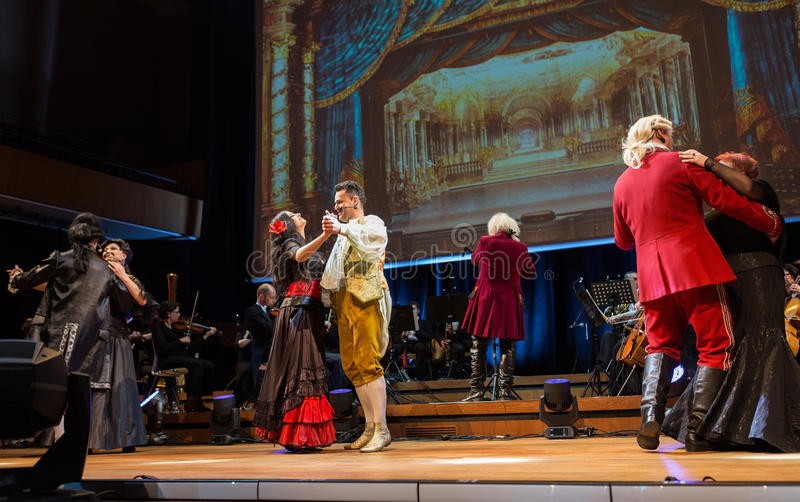 Anblick som presenterar Filharmonia Futura och M Walewska - operan är liv, fotografering för bildbyråer