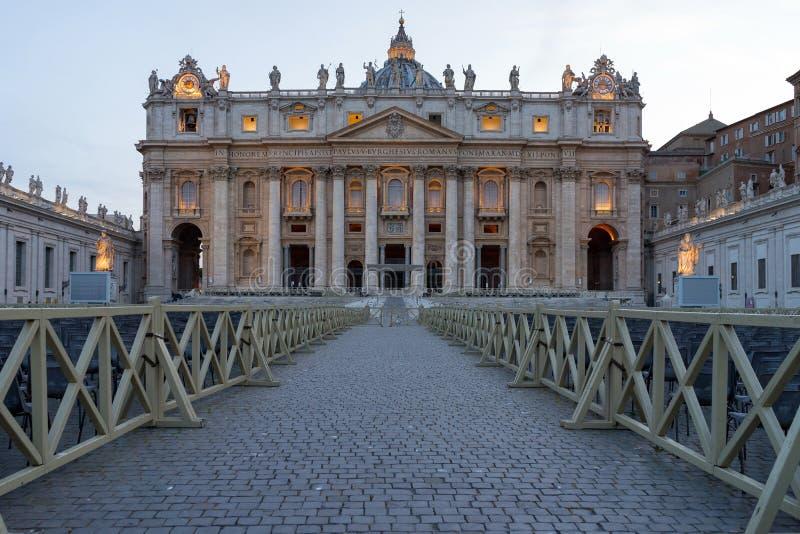 Anche vista della basilica di St Peter immagini stock libere da diritti