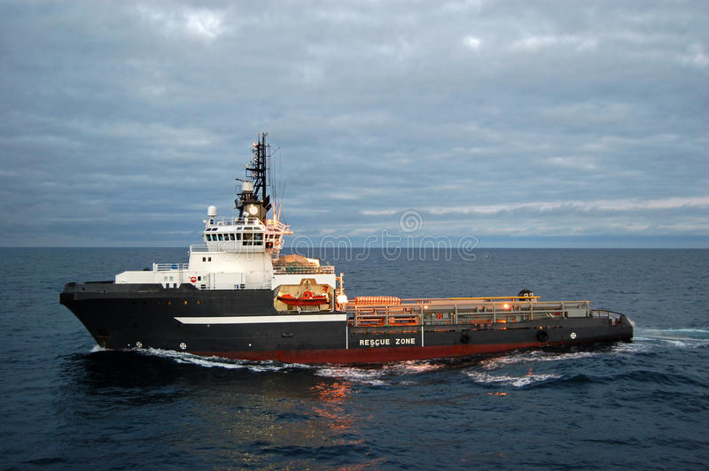 Anchor handling of Semi submergible in North Sea