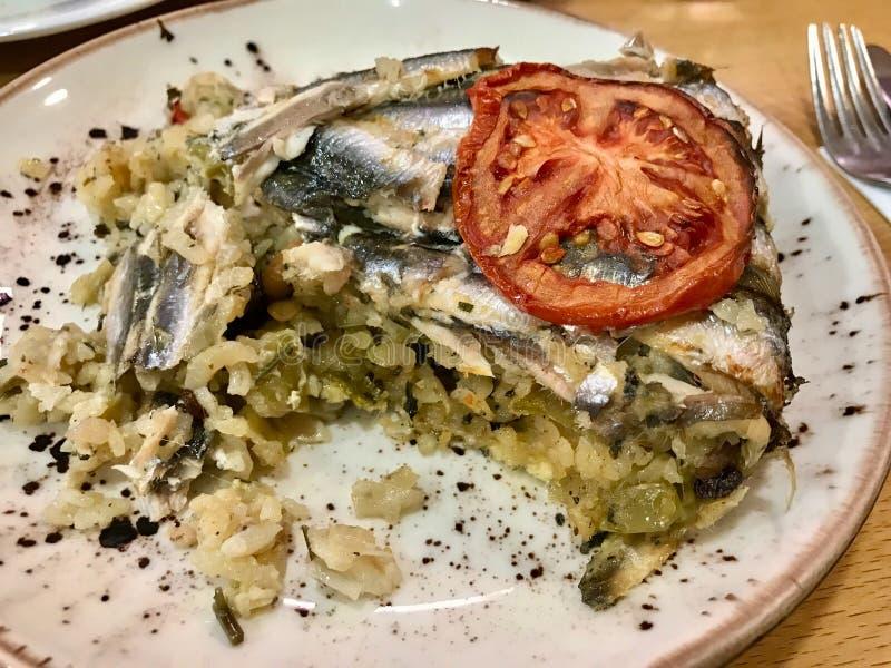 Anchovy pilaf Hamsi Pilav, Cuisine Turca, Especialidade do Mar Negro imagem de stock royalty free