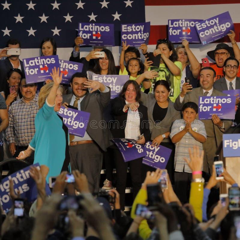 Ancien secrétaire Hillary Clinton Campaigns pour le président à l'université est Cinco de Mayo, 2016 de Los Angeles image stock