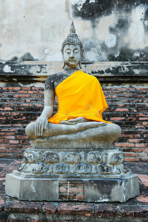 Download Ancient Buddha Partly Damage Stock Photo - Image: 33395696