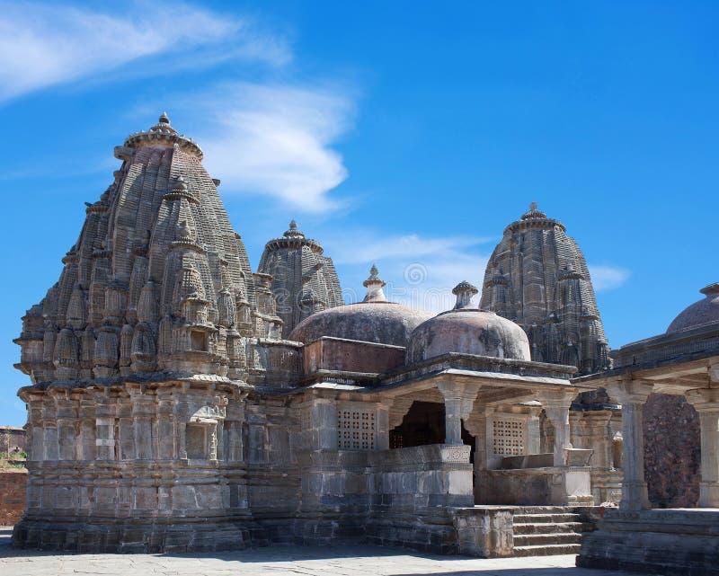 Ancient Jain-templet i Kumbhalgarh fort, delstaten Rajasthan i Indien royaltyfria foton