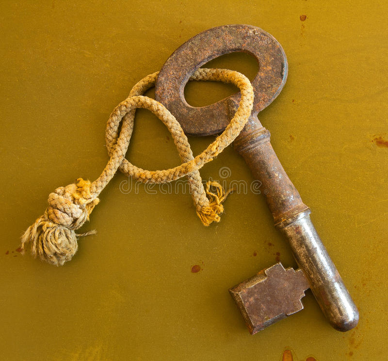 Download Ancient Key On Grunge Metal Background Stock Photo - Image: 25713692