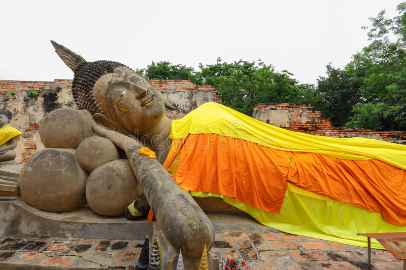 Download The Ancient Recline Buddha Over 300 Years Stock Photo - Image: 27569646