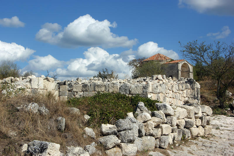 Download Ancient ruins stock photo. Image of cloud, known, places - 28340230