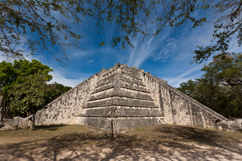 Download Ancient Mayan City - Chichen Itza Stock Image - Image: 30219183