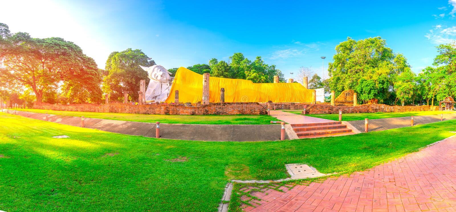 Ancient temple Wat Khun Inthapramun in Angthong , Thailand.  stock photography