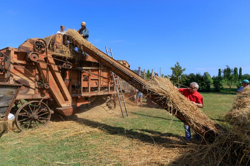 Ancient Threshing Machine For Wheat Editorial Stock Photo - Image of  ladder, people: 172922548