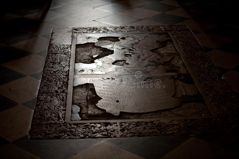 Download Ancient Tomb Stock Photos - Image: 13819433