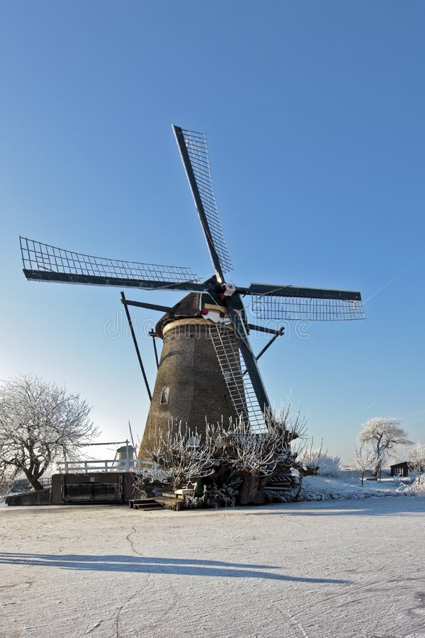 Free Ancient Windmill At Kinderdijk In The Netherlands Royalty Free Stock Photography - 8017887