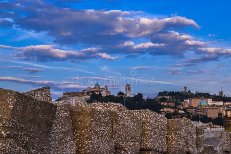 Ancona marche, Italien stads- landskap royaltyfria bilder