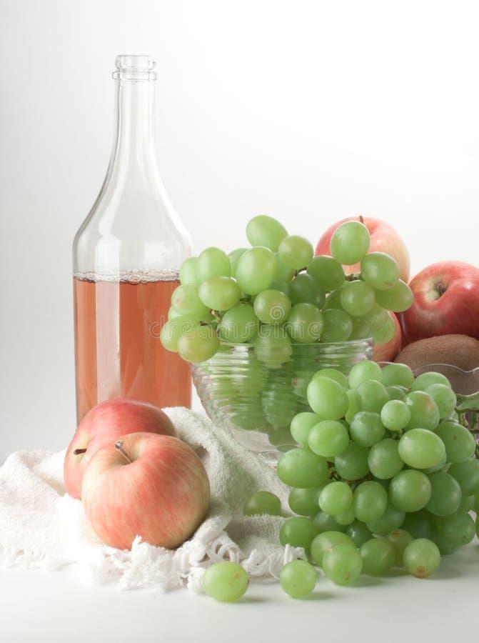 Ancora vita con l'uva immagine stock