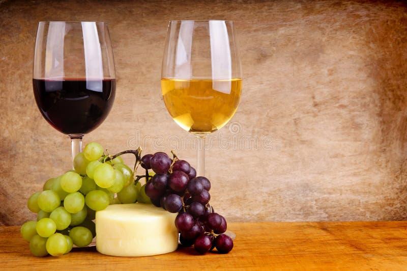 Ancora vita con vino fotografia stock