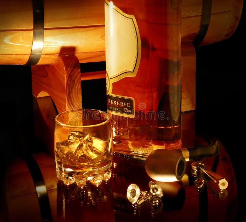 Ancora vita con whisky immagine stock