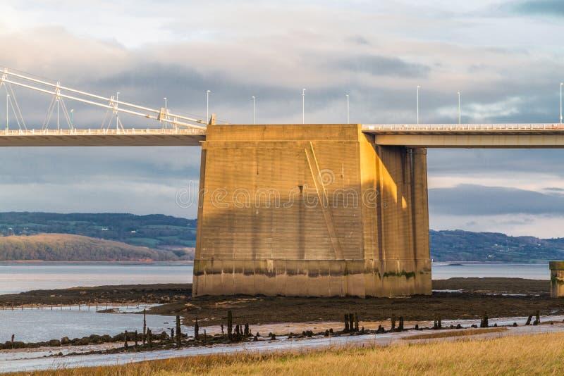 Ancoragem concreta da gravidade de Severn Bridge idoso fotos de stock royalty free