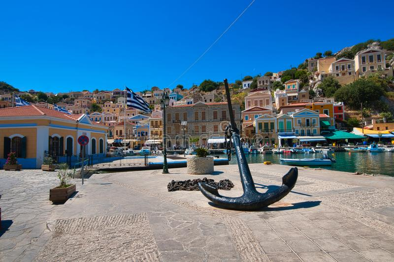 Ancre au port de Symi TownIsland de Symi photo libre de droits