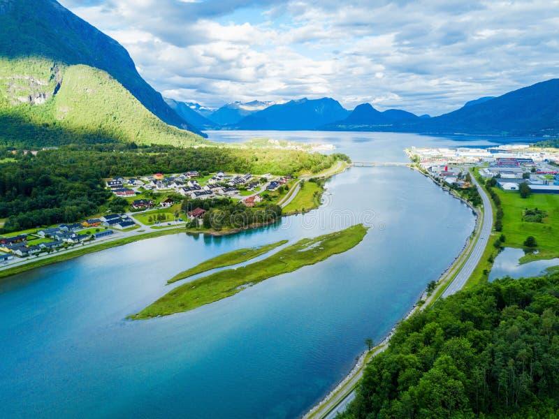 Andalsnes镇在挪威 免版税库存照片
