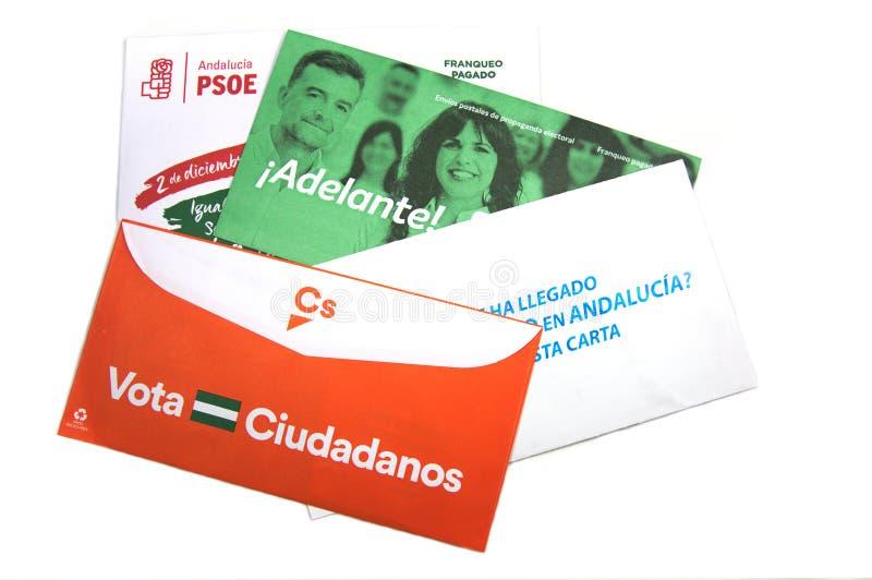 Andalucia spanje December 2018 - Sommige enveloppen van kiespropaganda stock foto's