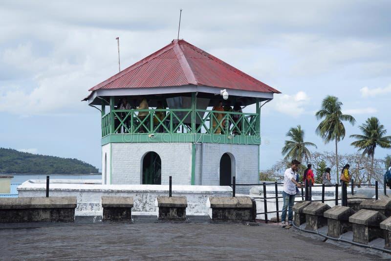 ANDAMAN wyspy, INDIA, MAJ 2018, turysta przy Komórkowym więzieniem, Portowy Blair, Andaman wyspy Środkowy zegarka wierza zdjęcia stock