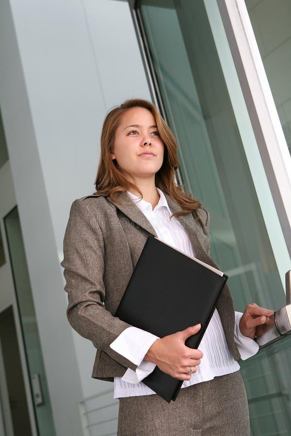 Andare della donna di affari immagini stock