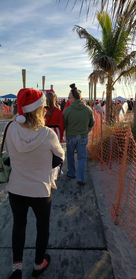 Andare osservare evento praticante il surfing di Santa immagine stock