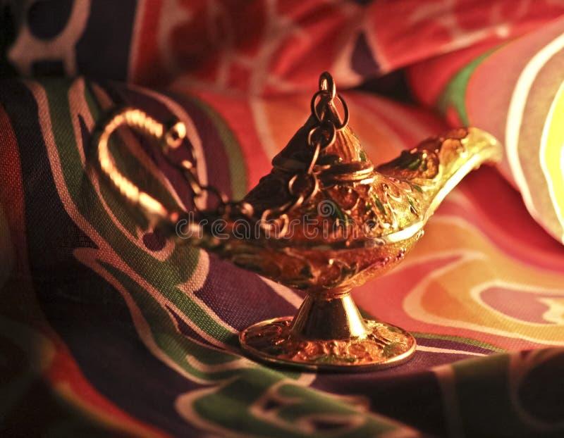 ande i arabiska sagorlampa arkivfoto