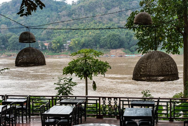 Ande o Mekong River em Luang Prabang, Laos fotografia de stock royalty free