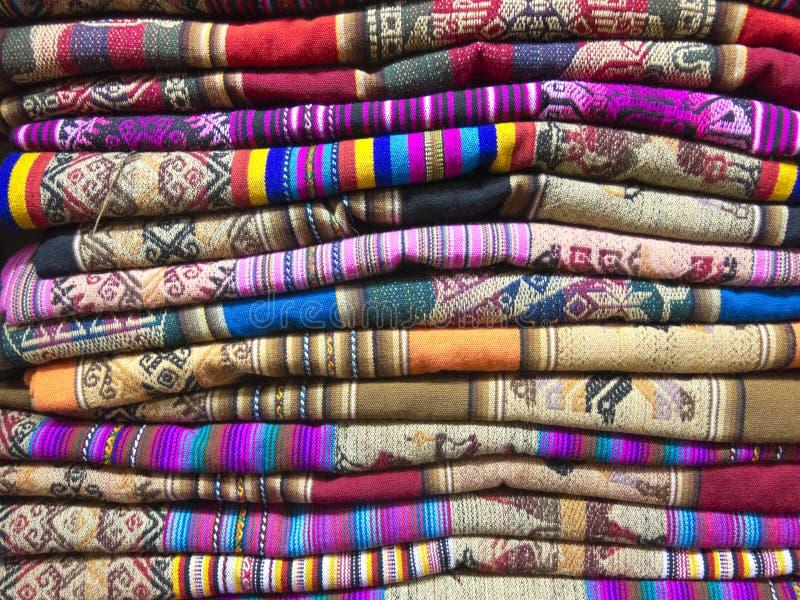 Andean filtar i en marknad, La Paz, Bolivia fotografering för bildbyråer
