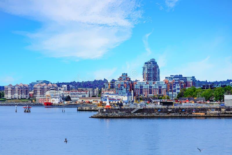 Andelsfastigheter på industriell kust av British Columbia royaltyfri bild