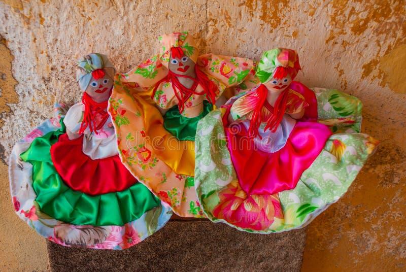 Andenken von Kuba Verkauf von Andenken für Touristen Nettes furchtsames Monster stockbild