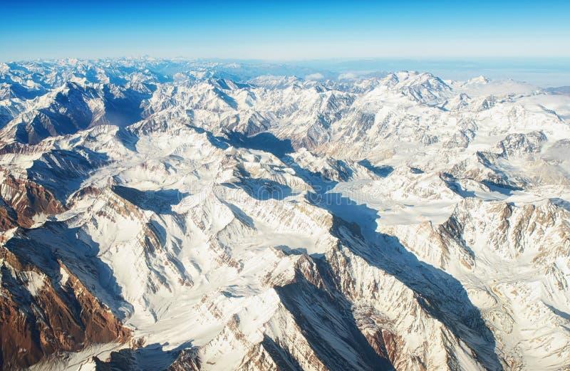 Andes Mountains Cordillera de los Andes vista dalla finestra di un aereo immagine stock libera da diritti