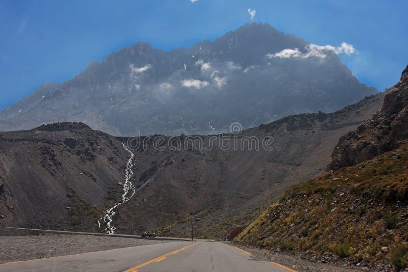 andes rzeka Cordillera De Mróz Los obrazy stock