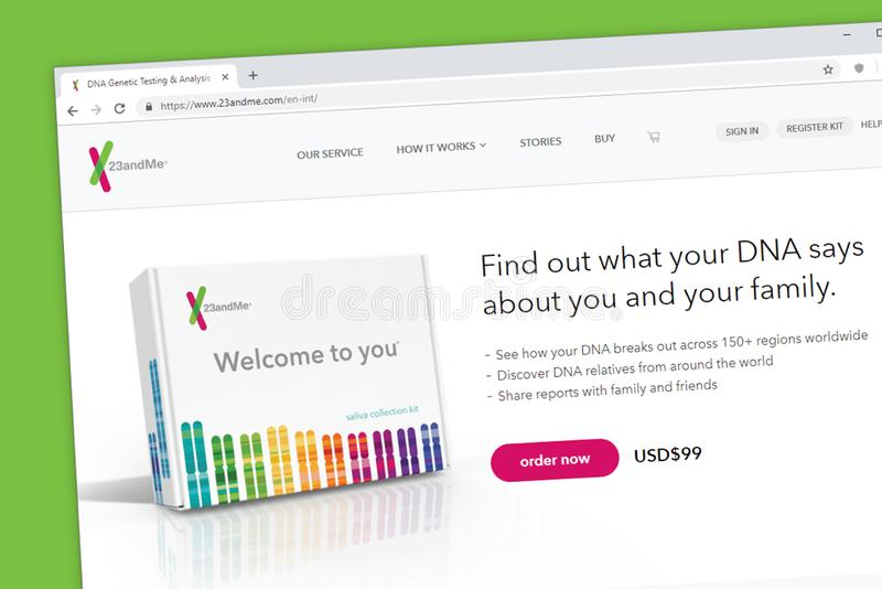 23andMe δοκιμή DNA για να ανακαλύψει τους συγγενείς σε όλο τον κόσμο που χρησιμοποιεί το αποκωδικοποιημένο ανθρώπινο γονιδίωμα στοκ εικόνες με δικαίωμα ελεύθερης χρήσης