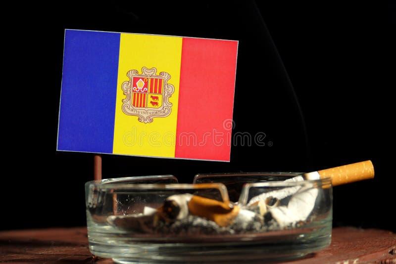 Download Andorra-Flagge Mit Brennender Zigarette Im Aschenbecher Lokalisiert Auf Schwarzem Stockbild - Bild von hintergrund, nahaufnahme: 96931511