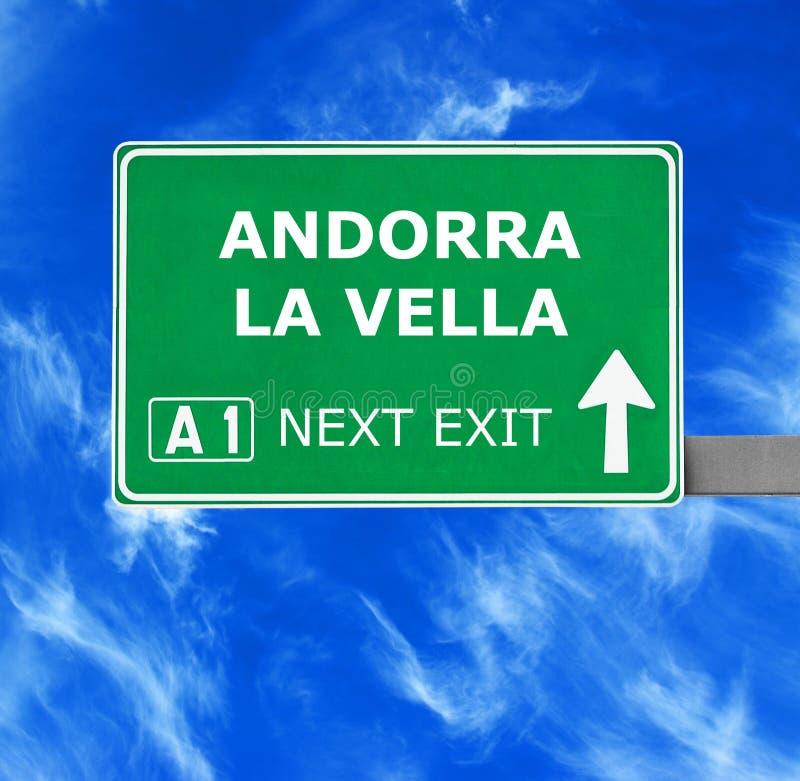 ANDORRA losu angeles VELLA drogowy znak przeciw jasnemu niebieskiemu niebu zdjęcia royalty free