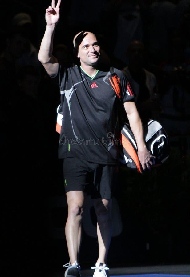 Andre Agassi - legendas do tênis na corte 2011 imagens de stock