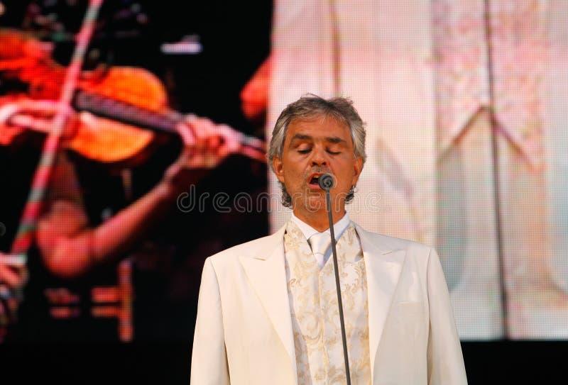 Andrea Bocelli-levend presteren stock foto's