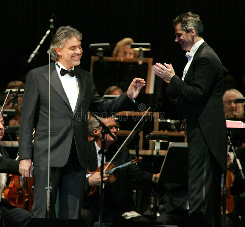 Andrea Bocelli in overleg royalty-vrije stock afbeeldingen