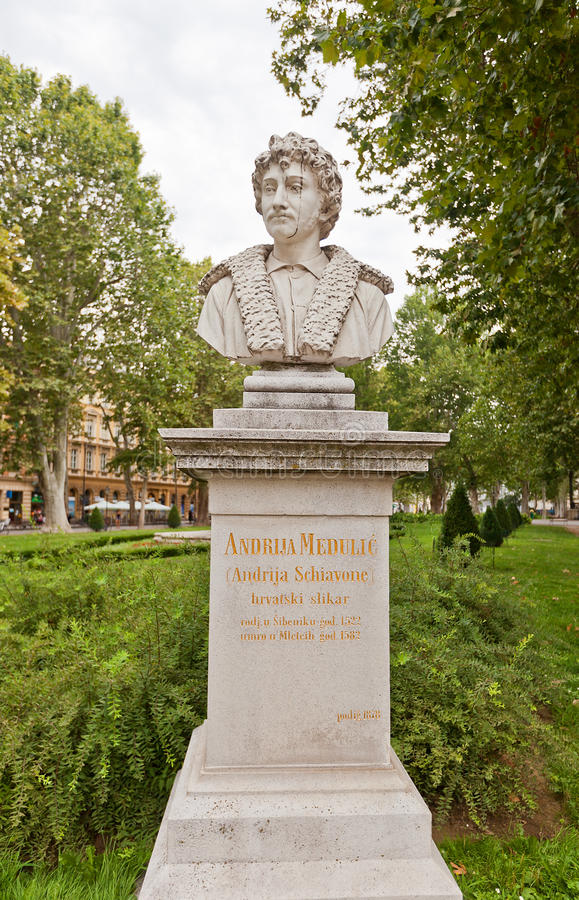 Andrea Meldolla skulptur (1878) i Zagreb, Kroatien royaltyfri fotografi