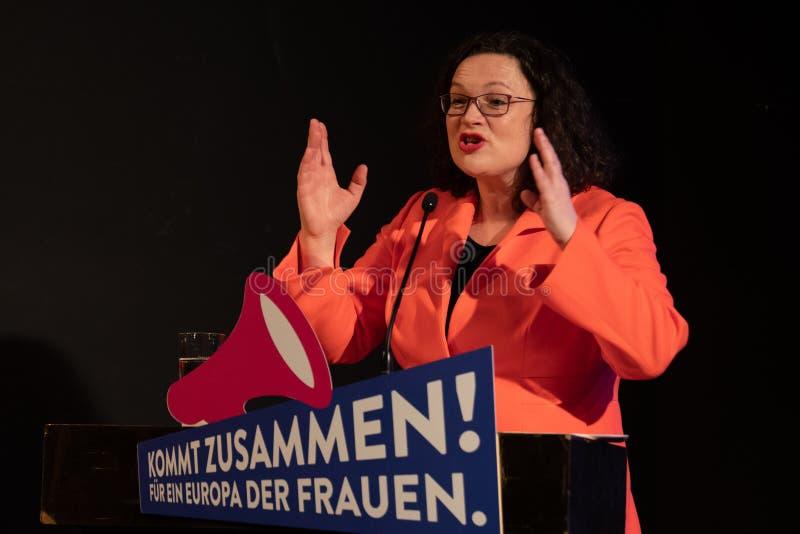 Andrea Nahles die bij de SPD-gebeurtenis voor de dag van Wereldvrouwen spreken royalty-vrije stock afbeelding