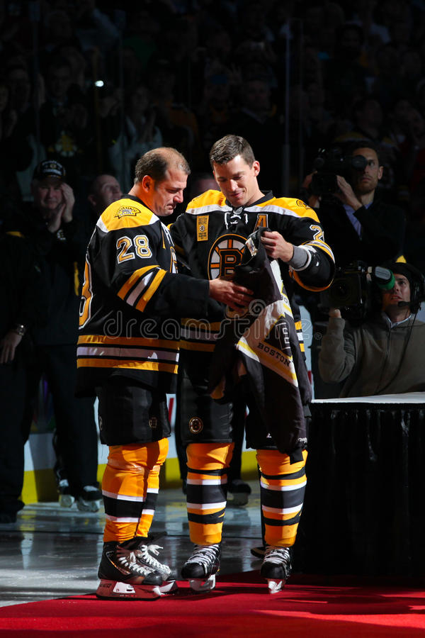 Download Andrew Ference And Mark Recchi Editorial Photography - Image: 22368787