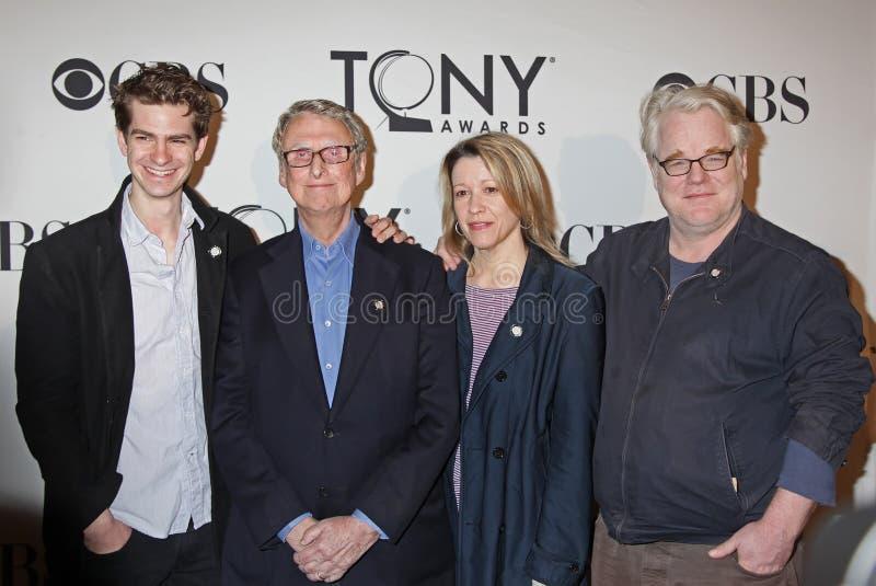 Andrew Garfield, Mike Nichols, Linda Emond i Philip Seymour Hoffman, zdjęcia royalty free